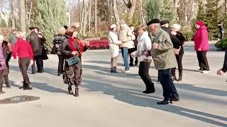 Галина!!!Танцы в парке Горького,апрель 2021.
