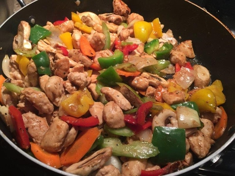 Simple Chicken And Vegetable Stir-fry :^)