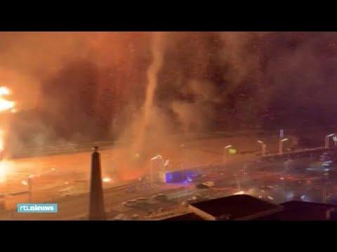 Beelden van vuurtornado en vonkenregen in Scheveningen - RTL Nieuws