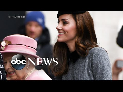 The Queen and Duchess Kate step out at King's College l GMA