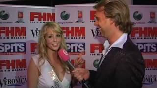 Sexy Chantal Janzen spuugt op Rutger