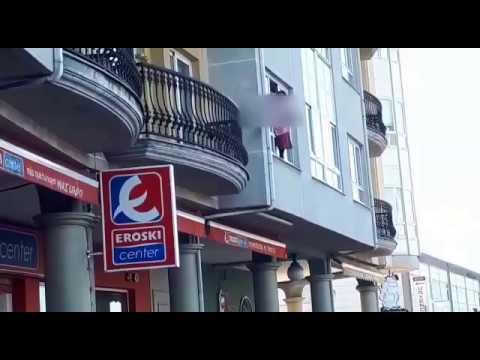 Una 'spiderwoman' en Viveiro