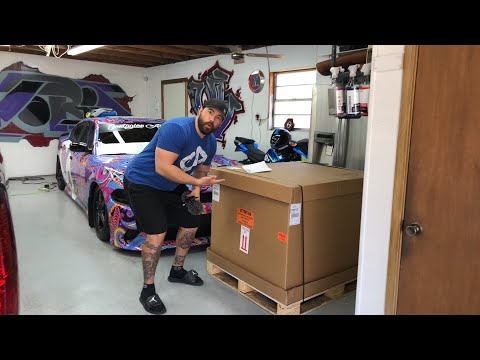 Live Dodge Demon crate delivery and Un boxing