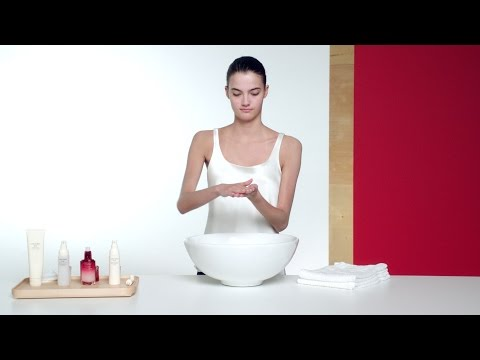 Daily Skincare Routine: Beautiful Skin in Under 3 Minutes | Beauty Expert Tips | Shiseido