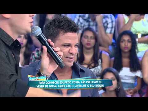 O pedreiro que sonha em ser cantor conhece ídolo Eduardo Costa