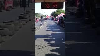 Denideblonk Pembalap Jatim Sempat Mengguncangkan Penonton!!! Wau-wau.......