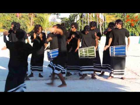 Himmafushi youth perform boduberu