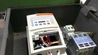Частотный преобразователь. Подключение трехфазного двигателя в однофазную сеть 220В.(, 2014-02-20T19:50:13.000Z)