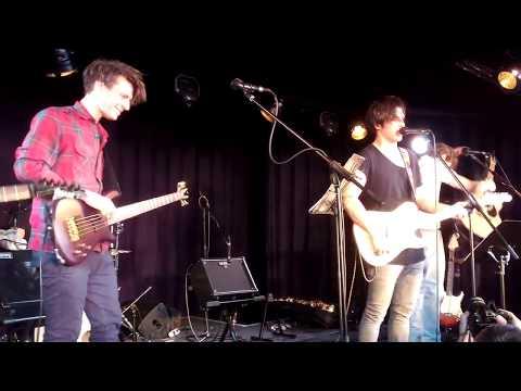 A GRUND - Csak úgy csinál (sztorival) [Pál Utcai Fiúk] (live @ 3K)