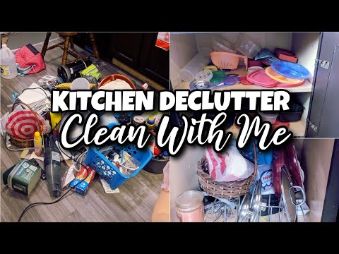 EXTREME CLEAN WITH ME | MESSY ROOM CLEANING MOTIVATION