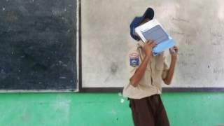 Vidio anak SMP menyanyi bikin ngakak