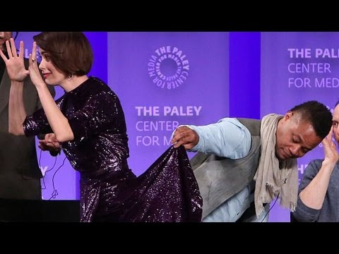 Cuba Gooding Jr. Lifts Sarah Paulson's Skirt On Stage (VIDEO)