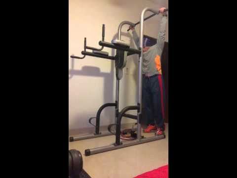 Bodyweight superset push-pull example with power tower as only equipment