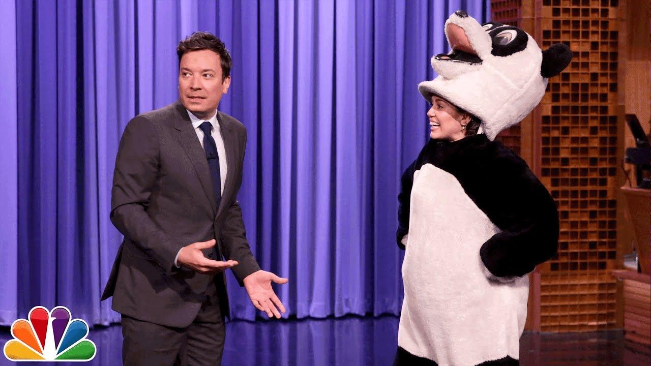 Мајли Сајрус за шоуто на Џими Фелон се облече како панда