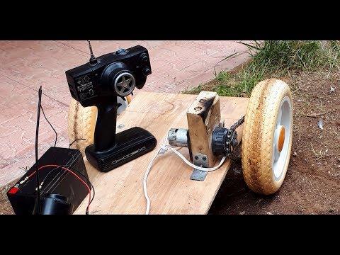 Смотреть AMAZING IDEA for Drill Motor (Old video) Big RC Car Servo  - Çocuk arabası онлайн