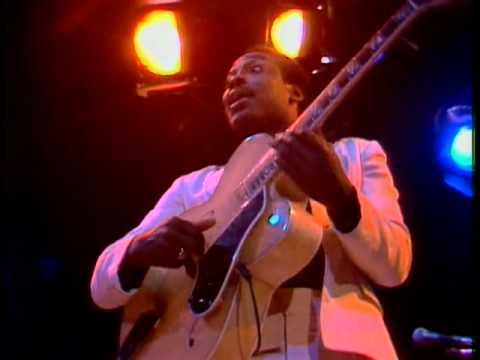 The Midnight Special More 1976 - 20 - George Benson & Carlos Santana - Breezin'
