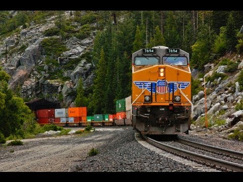 Union Pacific Trains During Donner Pass Storm Youtube