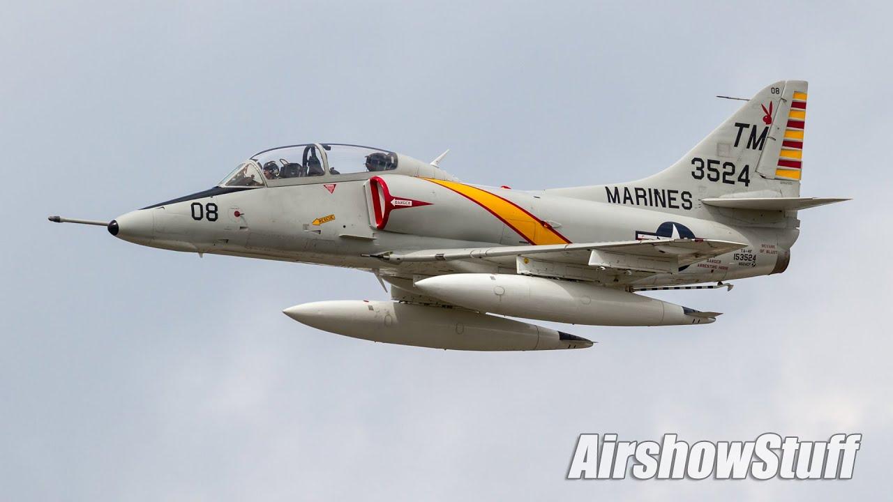 Ta-4 Skyhawk Aerobatic Demo - Thunder Over Michigan 2016   Airshowstuffvideos 04:00 HD