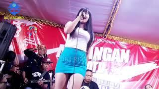 Download Video FANI SORAYA Cover SAKIT HATI MP3 3GP MP4