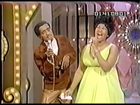 Aretha Franklin on The Hollywood Palace | hosted by Sammy Davis, Jr. (1968) • Aretha @ 34:25