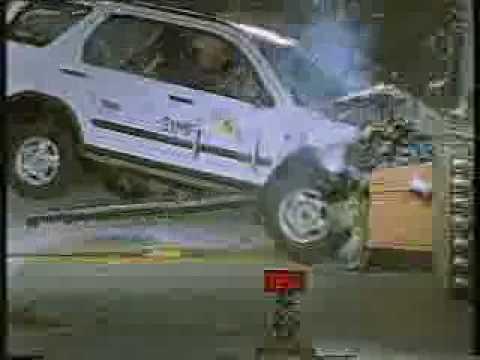 Crash test of 2003 2005 honda cr v youtube for Honda crv crash test