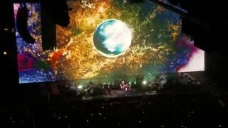 "Roger Waters (Pink Floyd) ""Breathe"" LIVE ENTRANCE"