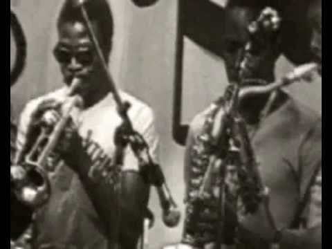 "Orchestre Poly-Rythmo de Cotonou ""Se Ba Ho"""