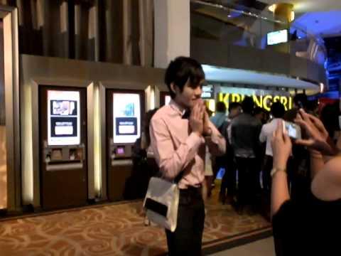 """เอิร์ท AF9 @พารากอน ดูหนัง """"พี่มากพระโขนง"""" รอบสื่อ # 1"""