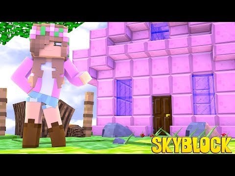 LITTLE KELLY BUILDS A HOUSE ON HER ISLAND! SKYBLOCK | Minecraft Little Kelly