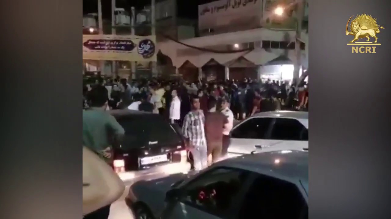 "KAZERUN, #Iran, Aug. 5, Protesters clashing with security forces & chanting: ""Cowards, cowards"""