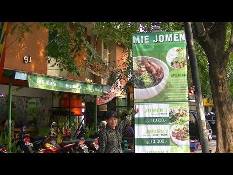 Jakarta Restaurant 21 Mie Jomen Ijo Kebumen  Restaurant making Green Noodles from Kebumen