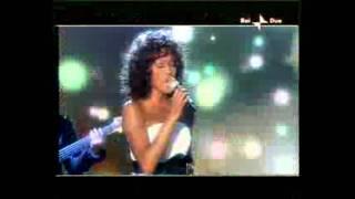 Whitney Houston morta. Il ricordo nella puntata di X factor 2009