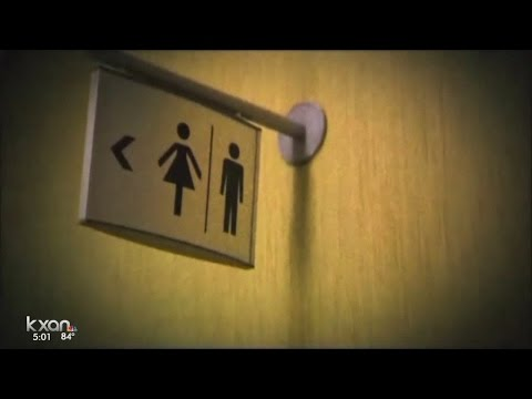 Texas will lead 10 other states in lawsuit against transgender bathroom policy