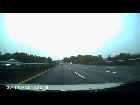 國道內車道係超車道  不超車時請勿佔用內車道