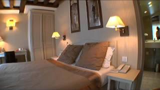 chambre de luxe dans un hotel de luxe à versailles proche du chateau