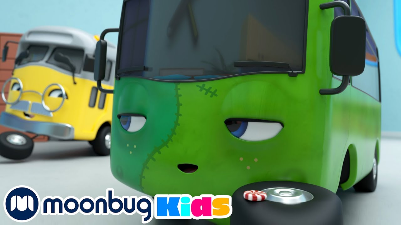 BUSTER'S Wobbly Tooth on Halloween - Too Much Candy! | Moonbug Play and Learn