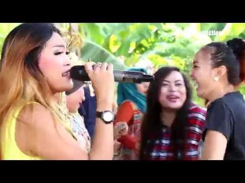 Geboy Mujaer -  Desy Paraswaty - Naela Nada Live Dompyong Gebang CRB