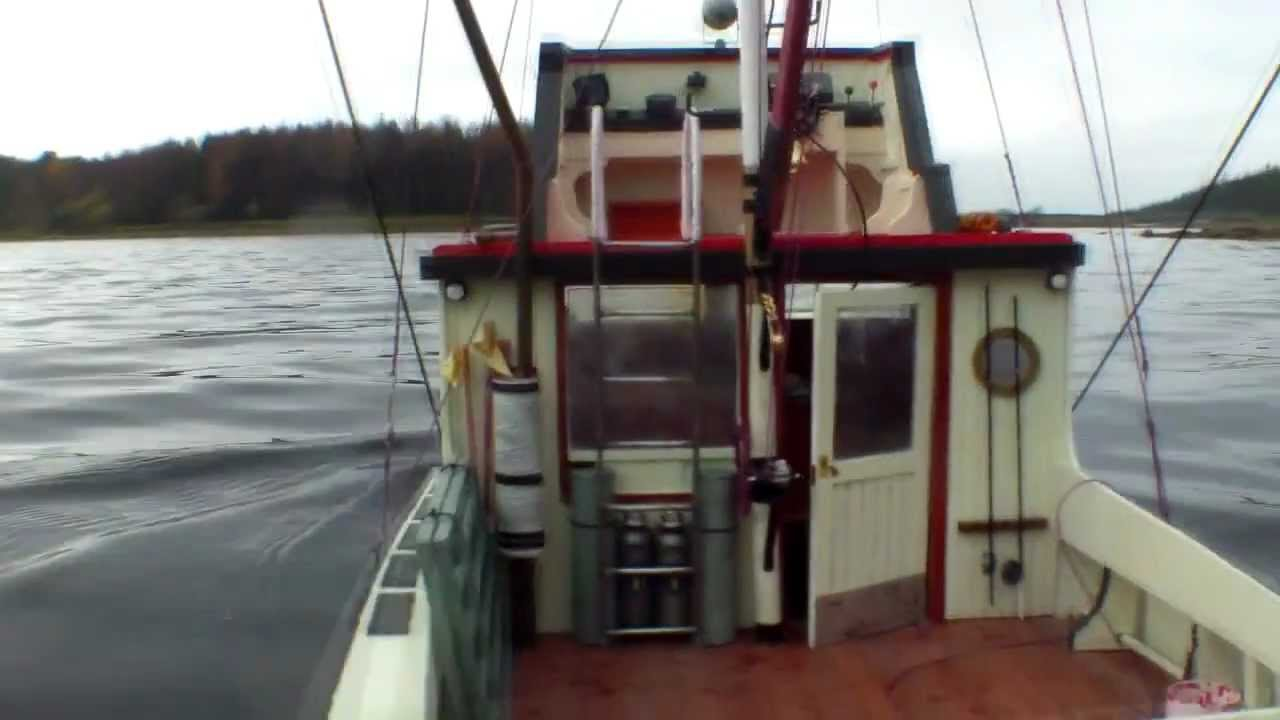 ORCA BOAT JAWS - YouTube