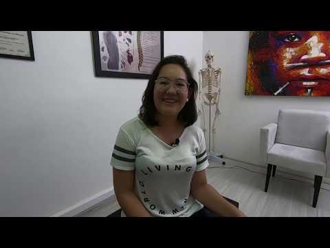 Caroline, a escoliose e uma sessão de Quiropraxia