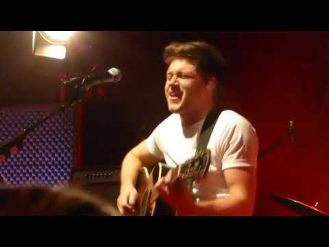 You and Me - Niall Horan live Flicker Sessions London O2 Shepherd's Bush HQ
