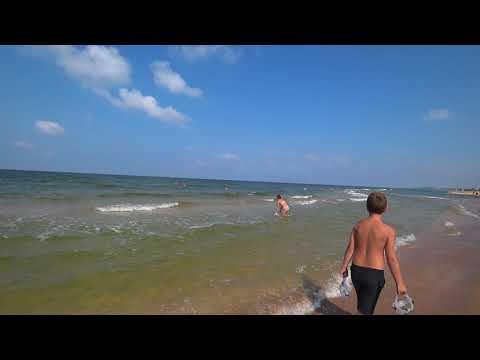 Безлюдные пляжи на Азовском море - реальность или миф?