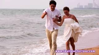 свадьба в тайланде, свадебная прогулка по берегу моря, видео оператор в Паттайе