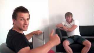 СпортЗаряд: прыжки на батуте (Михаил Мельник)(, 2012-08-13T15:27:22.000Z)