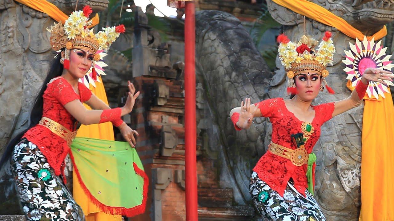 Parade Joged Bungbung PKB Bali (Pesta Kesenian Bali) - YouTube