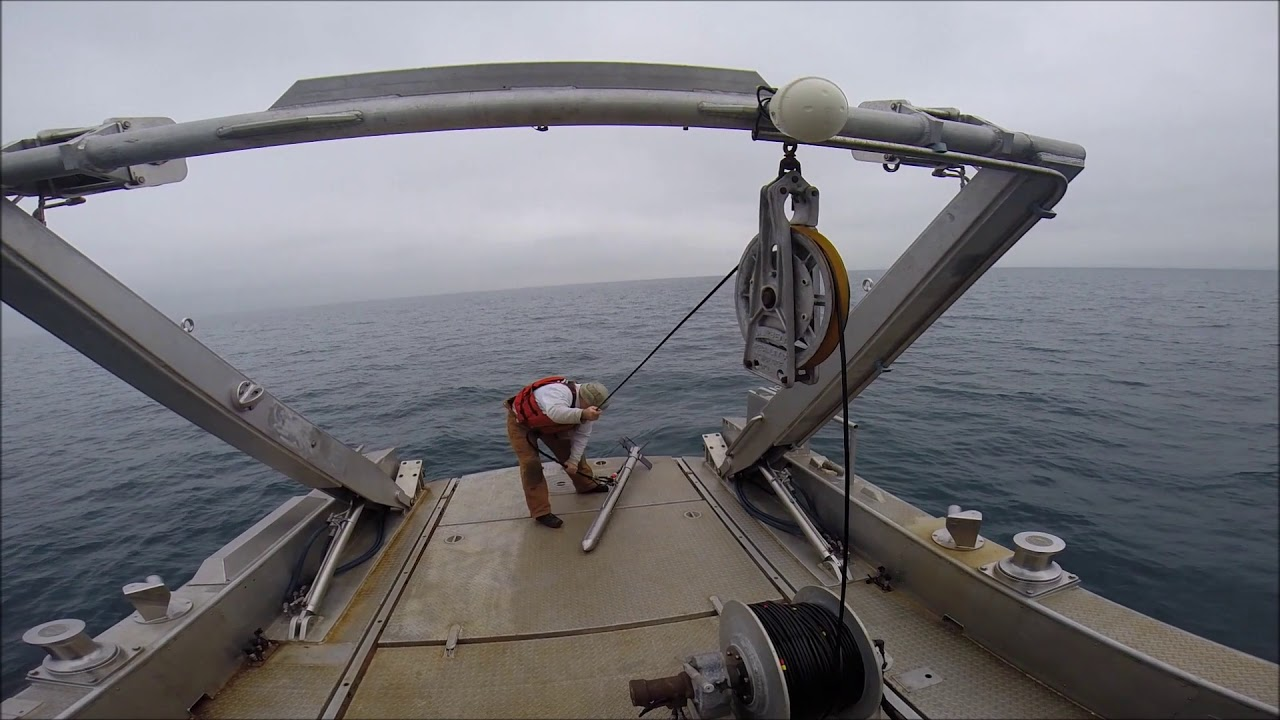 Deploying A Sidescan Sonar Towfish Youtube