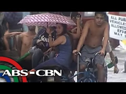 TV Patrol: Baha sa isang subdivision sa Parañaque, 'pinagkakitaan'
