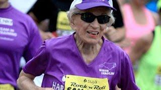 INSPRIRATIF!! Usia Bukan Menjadi Alasan buat Wanita TERTUA Di Dunia ini untuk Ikut Maraton