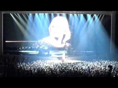 Adele Montreal Encore