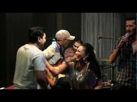 The Groove - Satu Mimpiku Ft Tompi @ Mostly Jazz 14/07/12 [HD]