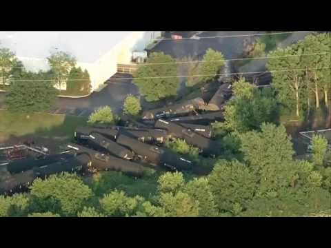 Freight train carrying crude oil derails in suburban Plainfield